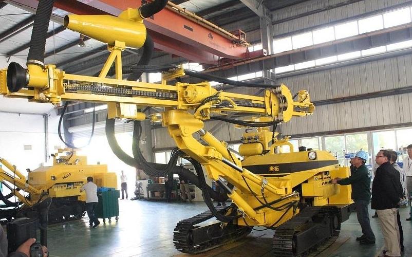 唐拓钻机工业设计